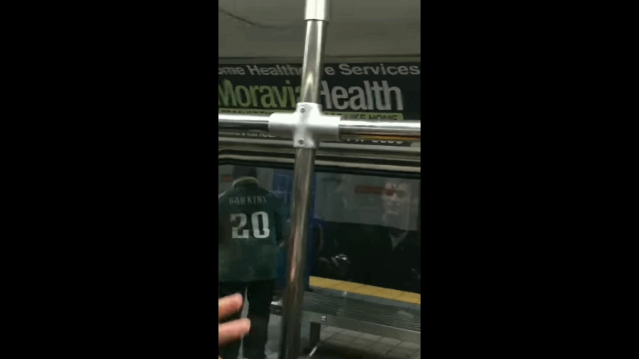eagle-s-fan-runs-into-pole-on-subway