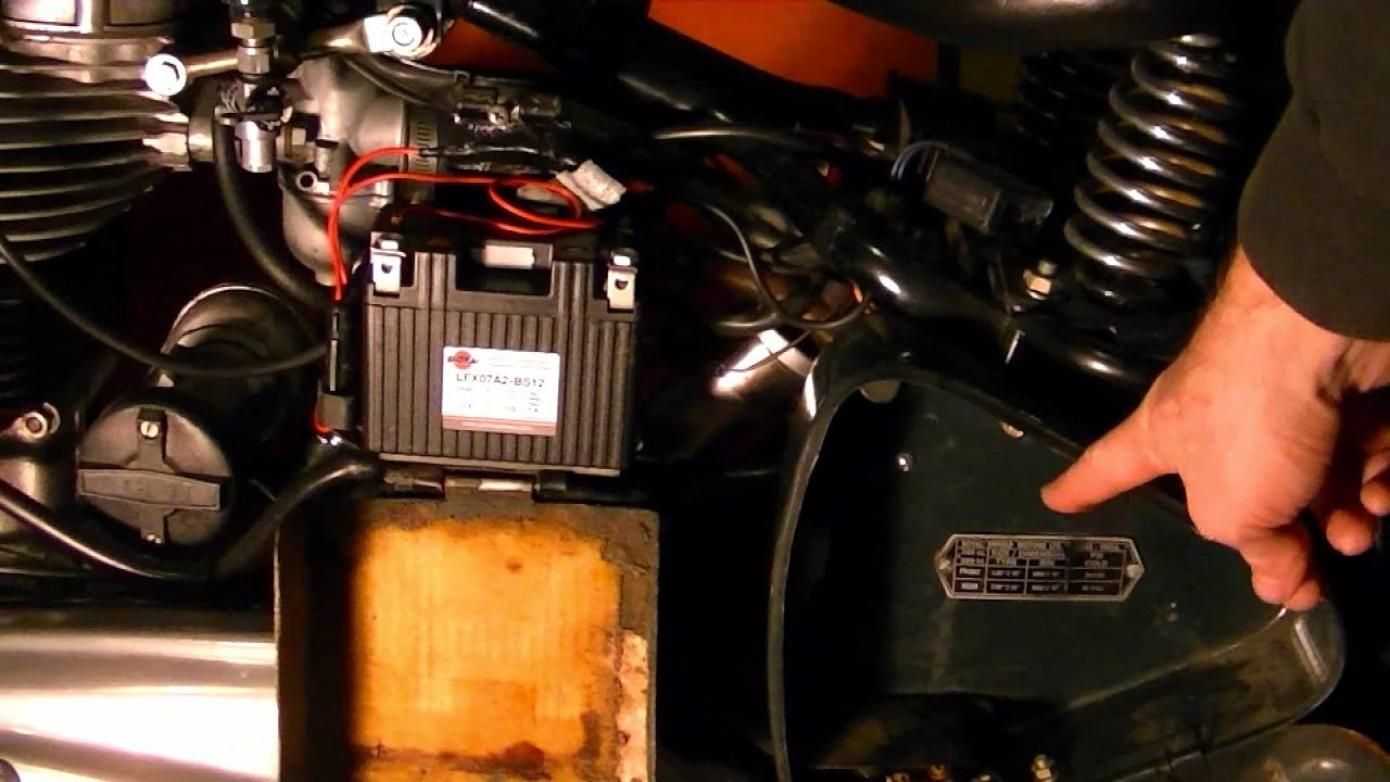 How To Install A Battery Tender On Motorcycle Youtube Vespa Fuse Box Diagram