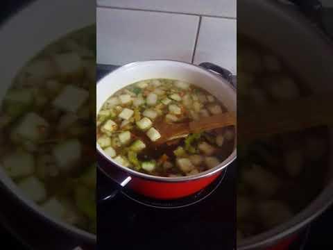 cuisson-de-mon-couscous-au-merguez-et-au-boulette