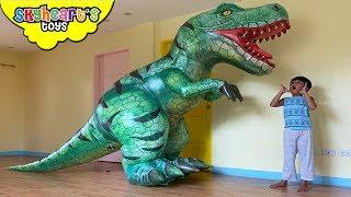 Skyheart vs. GIANT T-REX in House!! Dinosaurs for kids battle dino children jurassic