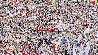 Thousands rally in Romanian capital for corruption protest