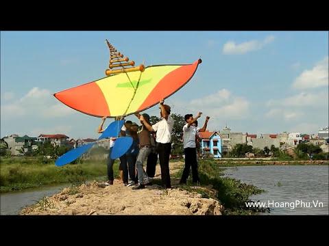 CLB Diều Hoa Phượng Đỏ thả diều ở Vincom Village