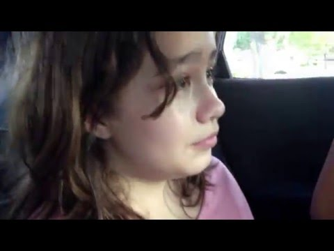 Amazing 7 Year Old Girl Singing Exactly Like Shakira