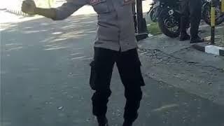 VIRAL POLISI MAUMERE JOGET LAGU NONG MARI NONG