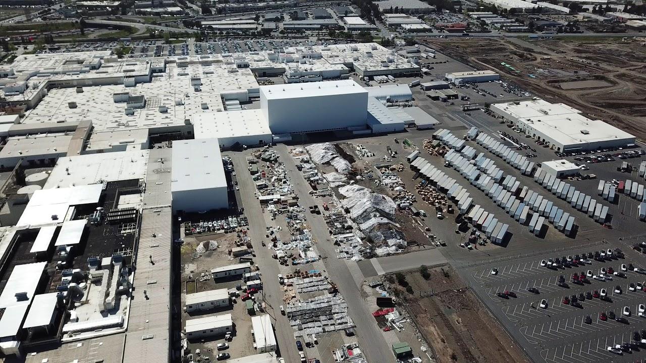 Tesla Factory Drone Flyover - Fremont - 4-2-2018 4k