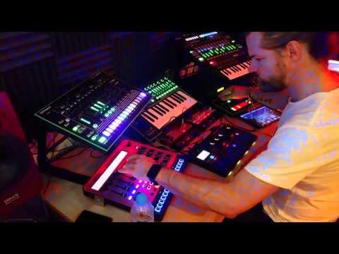 Minimal Techno/Acid/Electronica Live Jam/Improv #2. Aira, Volca, Electribe