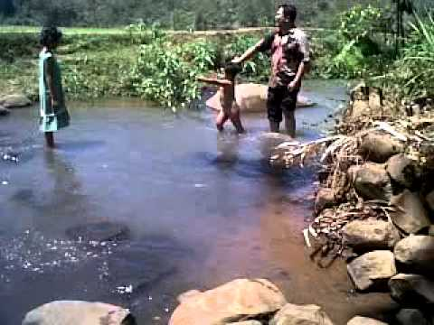 Ai Maen Di Sungai