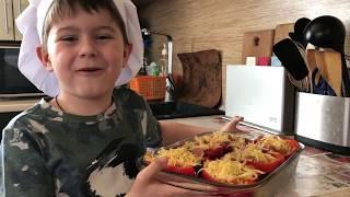 Перцы запечённые с картофелем и сосисками
