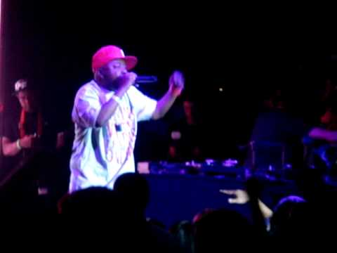 "PHIFE DAWG (A TRIBE CALLED QUEST) ""Buggin' Out"" Live For Paper Ships At The Exchange"