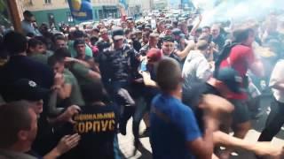 Сутички поліції з націоналістами під Львівською облдержадміністрацією