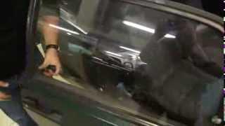 Что делать если вдруг забыли в машине ключи(Практический совет для тех, кто забыл ключи в машине или заблокировалась дверь в авто. , люди ставте сигнали..., 2013-10-13T20:40:10.000Z)