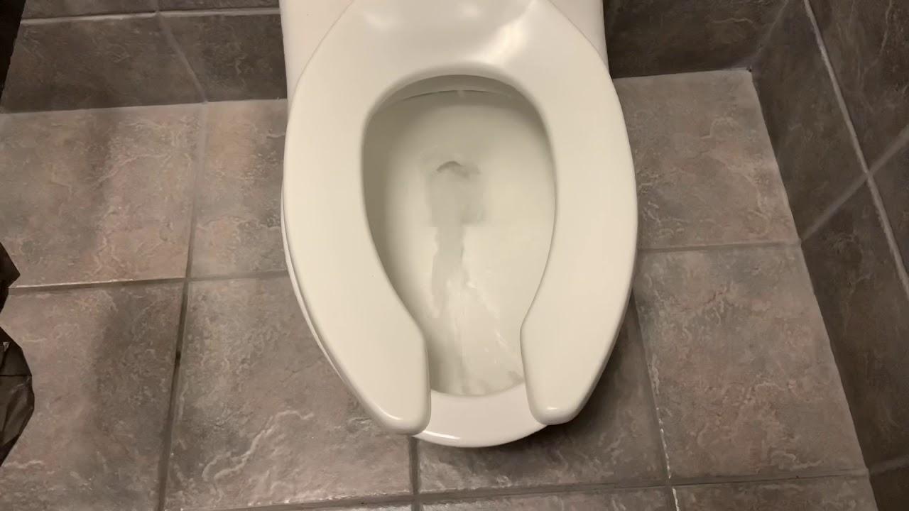 [659] Planet Fitness Women's Restroom (Reshoot)