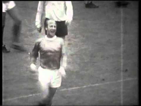 Manchester United v Tottenham Hotspur (1967-68) Charity Shield
