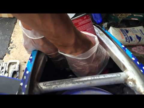 changing an air filter on a 2009 yz250f