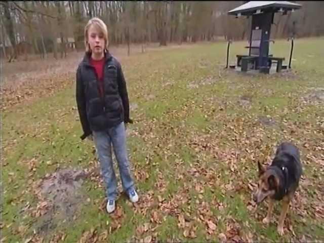 Hondenfluisteraar Mieke Zomer praat met Honden