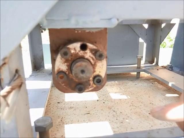 Montaje de antenas sobre torre telescopica autoconstruida (2/2)