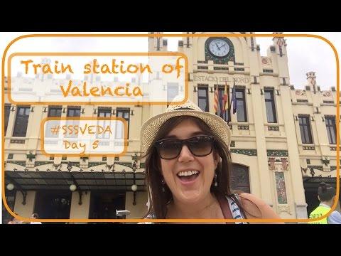 Train Station In Valencia - Estacion Del Norte