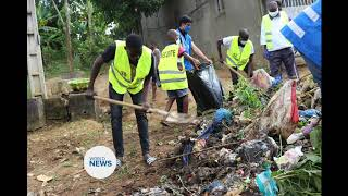Ahmadi Muslims of Ivory Coast volunteer to serve country in cleanliness campaign