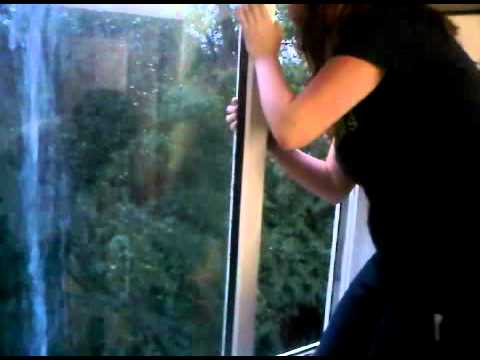 alice making herself wet