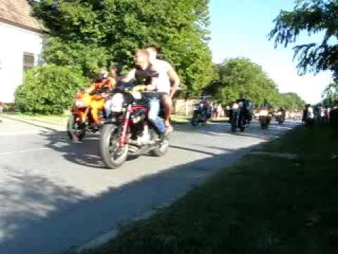 Muzslya moto happaning