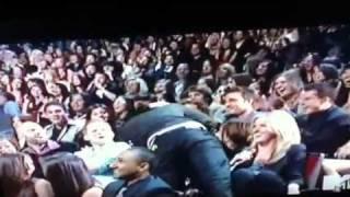 Video Robert paterson kisses Taylor lautner! download MP3, 3GP, MP4, WEBM, AVI, FLV Desember 2017
