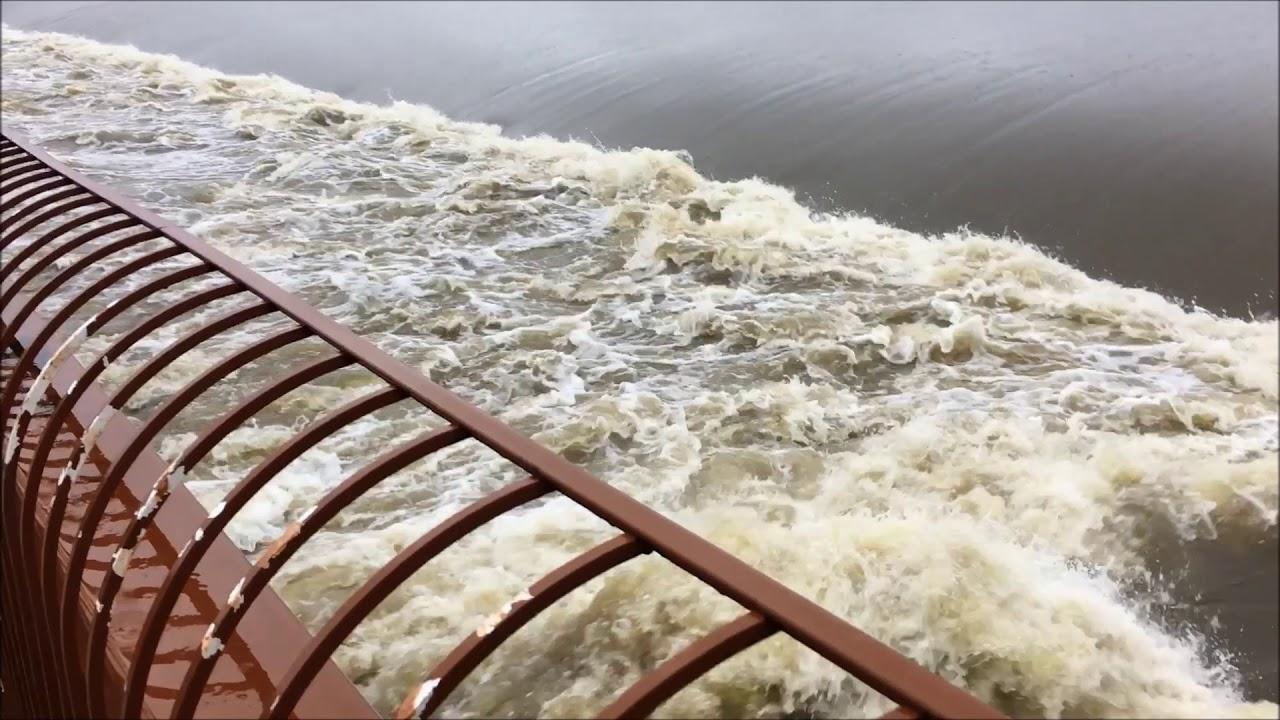 The Woodlands Texas Flooding >> Hurricane Harvey Flooding In The Woodlands Texas 2017 ...