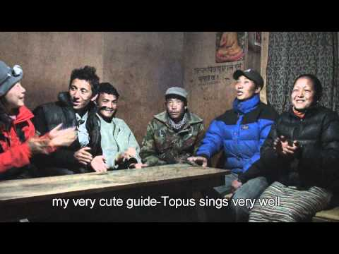 Nepal- everest trekking- 201004-Amadablum garden lodge maila singing