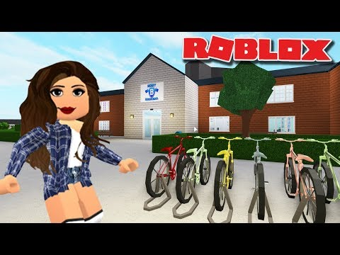 I MADE A SCHOOL ON BLOXBURG | Berry High School | Bloxburg Tour