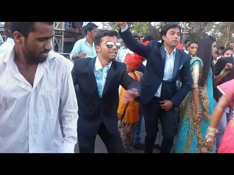 Swar Samrat Band Satana,at Thane.Pradnya&Nishit wedding.