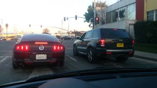 Ford Mustang 5.0 vs SRT8 Jeep Video