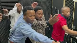 Isandla somusa coming soon 🔥#UmshunqoReloaded Dladla Mshunqisi and DJ Tira live