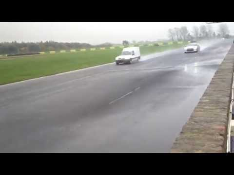 1997 Renault express van beats a Nissan GTR