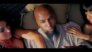 Смотреть клип Tech N9Ne - Hood Go Crazy Feat. 2 Chainz & B.O.B