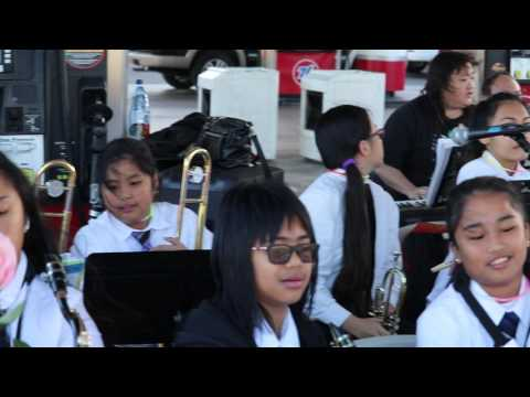 Wahiawa Middle School Band Performing at the 2017 Great Aloha Run