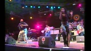 Video Pinkpop 1999 - Lauryn Hill - Doo Wop - Killing me softly download MP3, 3GP, MP4, WEBM, AVI, FLV Mei 2018