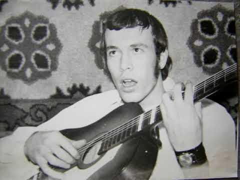 Задумчивый парень с гитарой...    На стихи Нади Кутуевой...
