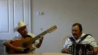 LOS DONNEÑOS (INGRATO AMOR )