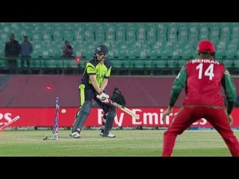 Nissan Play of the Day - Munis Ansari's perfectly disguised slower ball (Day 2)