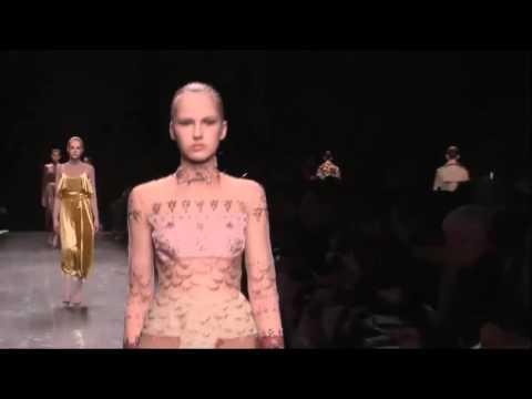 Valentino Осень - Зима 2016 - 2017 Полный Модный Показ