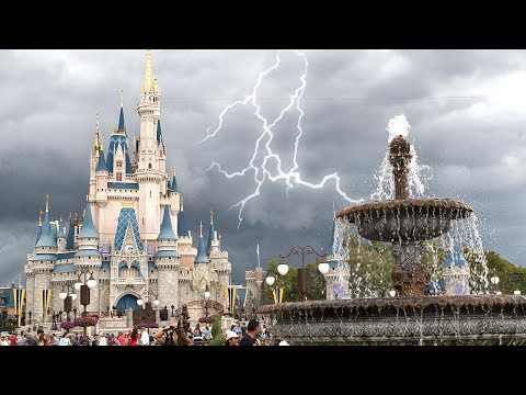 Tornado Warning at Walt Disney World! 🌪 - Orlando, Florida (3.20.2018)