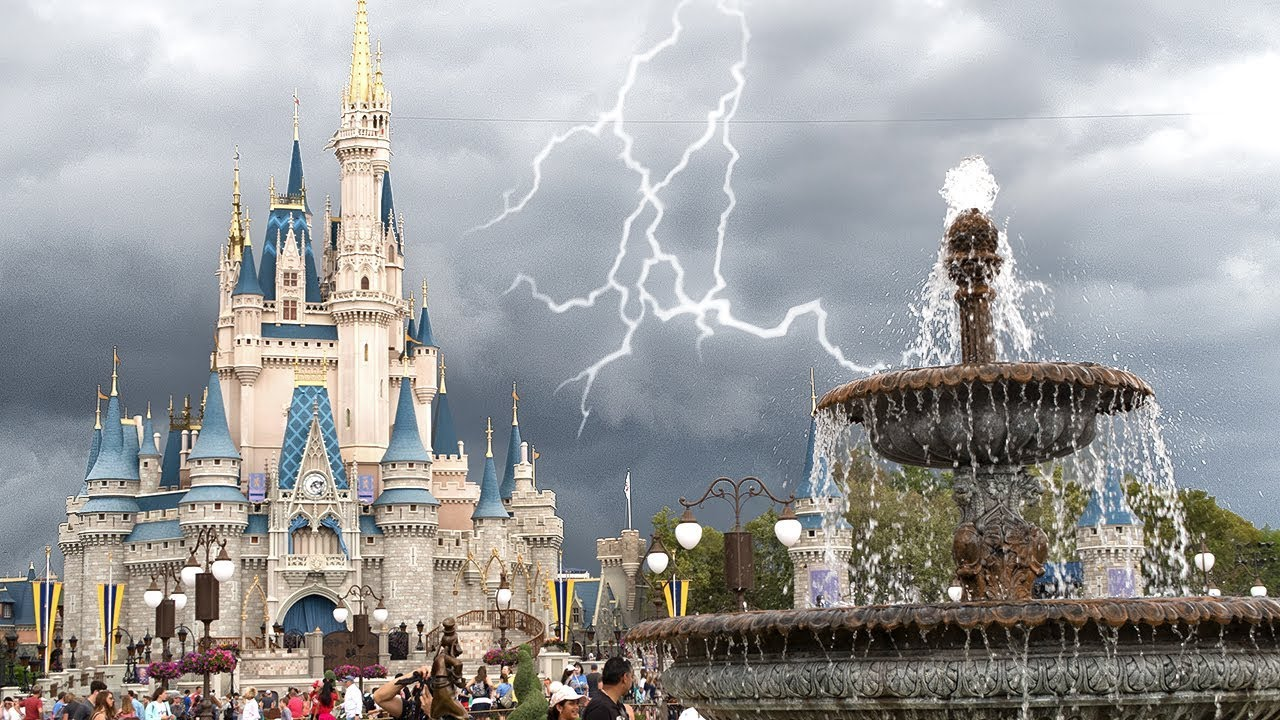 Tornado Warning at Walt Disney World! 🌪 - Orlando, Florida (3 20 2018)