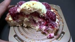 イチゴがのったチーズタルト。 詳細はブログへどうぞ。 http://rakuteng...