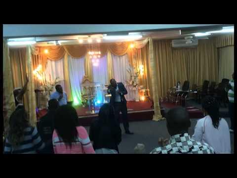 Bishop Tosh: présente   Prophete Orlando)Juif de Cabinda Angola en Israel