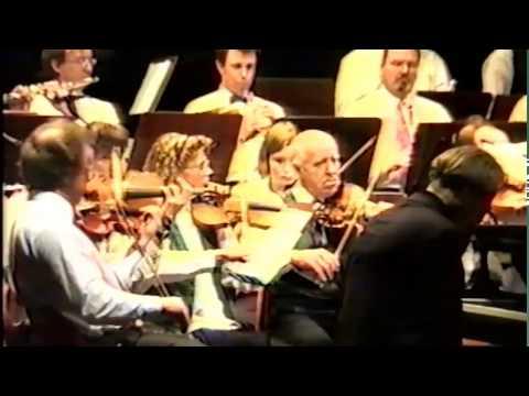 Edvard Grieg : Piano Concerto in A minor - Lars Hägglund, piano (Live).