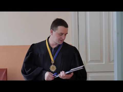 Телеканал Ексклюзив: Суд взяв під варту кам'янчанку, яка зарізала турка