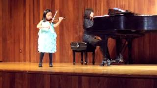 GGLVS Angela playing Minuet III - 7 years old violinist