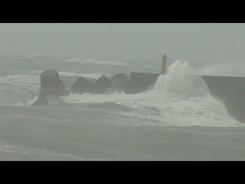 大型台風10号、15日に九州四国接近 西日本縦断見込み