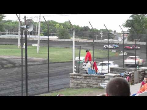 Wade Gilliland racing Algona raceway 8-23-14