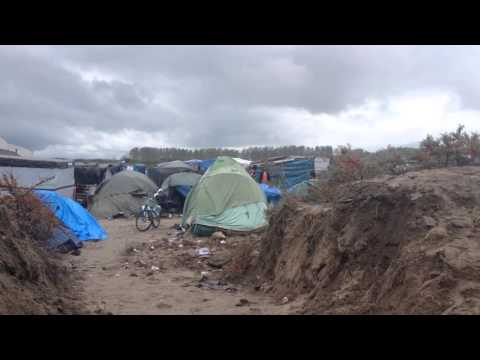 50 social workers travelled to Calais's 'Jungle' refugee camp