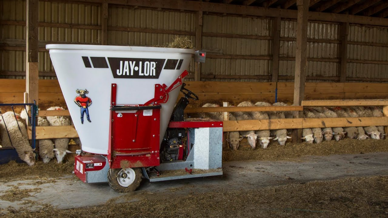 Jaylor 5050 Mini TMR Mixer: De Kleer Family Sheep Farm Prepares a  Consistent Ration
